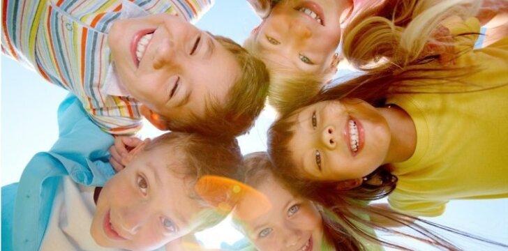 Pajudėkim: 10 smagių žaidimų lauke
