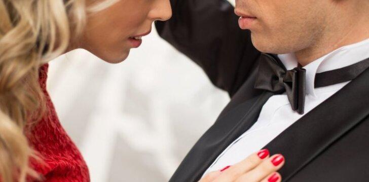 Kodėl vyras už tavo akių elgiasi visai kitaip, nei su tavimi