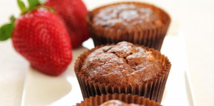 Dieviškai skanūs braškių ir šokolado keksiukai