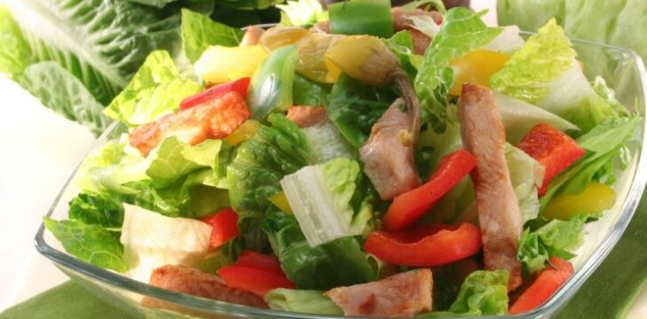 Karštos kalakutienos salotos