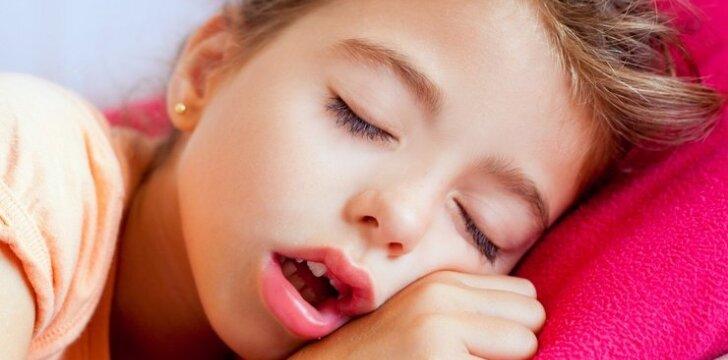 """Kiek laiko turi miegoti vaikai, kad augtų sveiki? <span style=""""color: #ff0000;""""><sup>5 patarimai tėvams, kaip to pasiekti</sup></span>"""