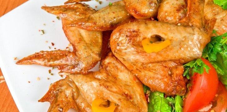 Kepti kalakutų sparneliai su majonezo marinatu