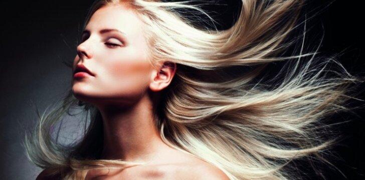 Būtina žinoti visoms, kurios plaukus dažo namuose