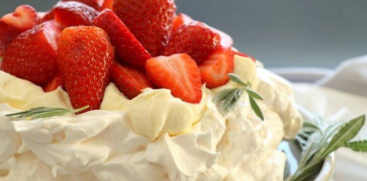 Morenginis tortas su braškėmis ir ledais
