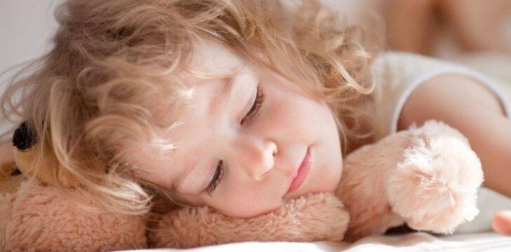 15 klausimų, kuriuos uždavę prieš miegą, pagerinsite santykius su vaiku
