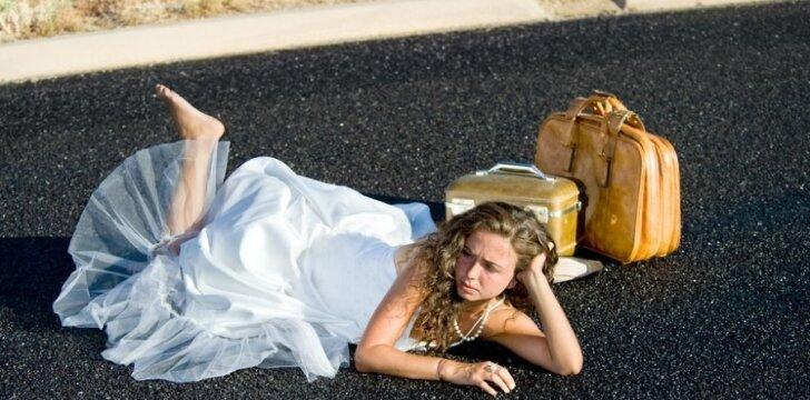 Vestuvių suknią vilkėsi tik sapne, jei aklai laikysies įsitikinimų. Ne vertybių ar principų, bet kvailų taisyklių.