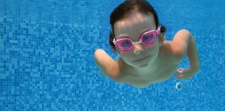 Vaikus kviečia nemokamos plaukimo treniruotės baseine