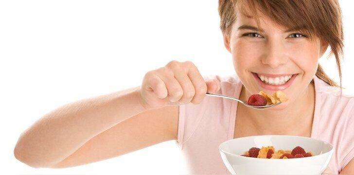 Turėkite omenyje, kad jei dribsniuose yra džiovintų vaisių, jų sudėtyje bus bus papildoma dozė cukraus.