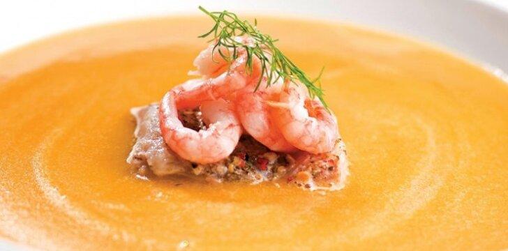 Kreminė moliūgų sriuba su žuvimi ir krevetėmis