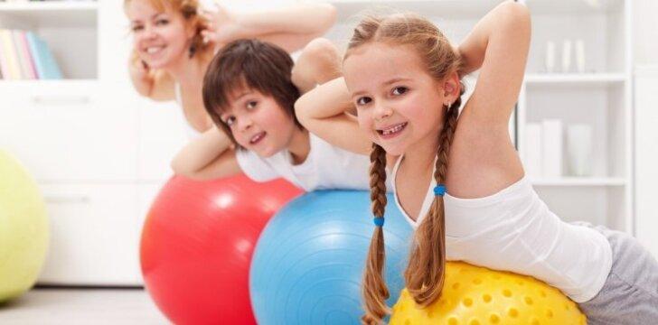 Netaisyklinga laikysena: kaip padėti vaikui