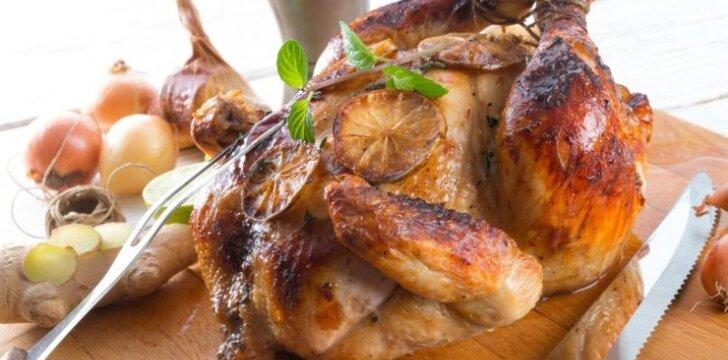 Virtuvės šefo patarimai, kaip iškepti tobulai skanų viščiuką Kalėdoms