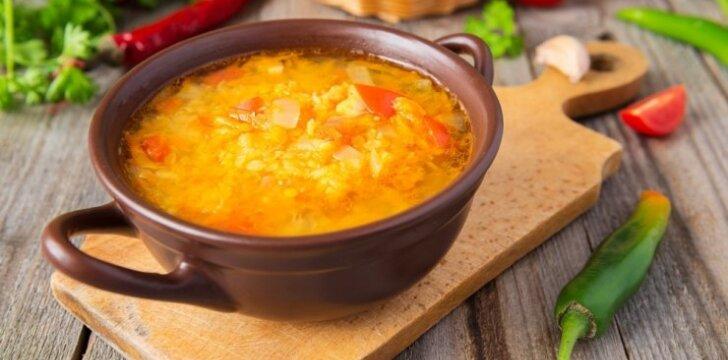 Aštri vištienos sriuba su raudonaisiais lęšiais