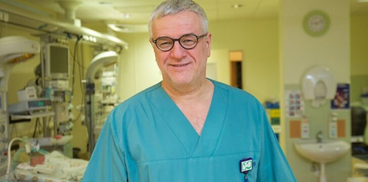 Dr. Arūnas Liubšys apie gimdymą namuose: daug kas nutylima