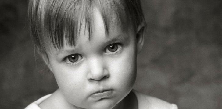 Vaikas nerimauja paliekamas darželyje: psichologės komentaras
