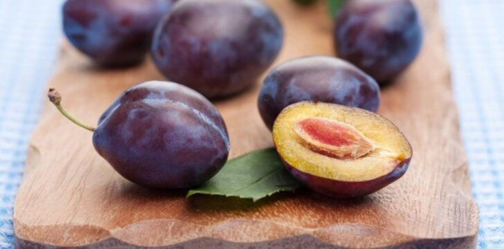 Slyvų, trešnių, vyšnių ir persikų genėjimas - į ką atkreipti dėmesį