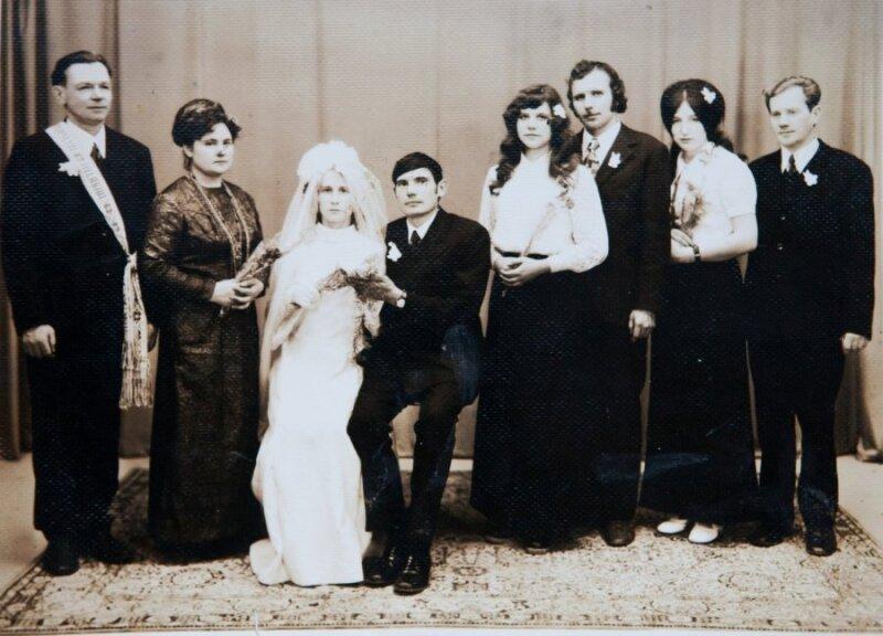 """<span style=""""color: #ff0000;"""">Tada ir dabar.</span> Sovietmečio vestuvių košmarai: pirmoji naktis pas kaimyną ir vos tragedija nesibaigusi pramoga"""