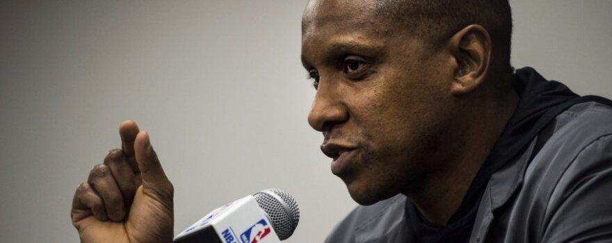 """Po lygą sukrėtusių """"Raptors"""" mainų klubo bosas atsiprašė DeRozano"""