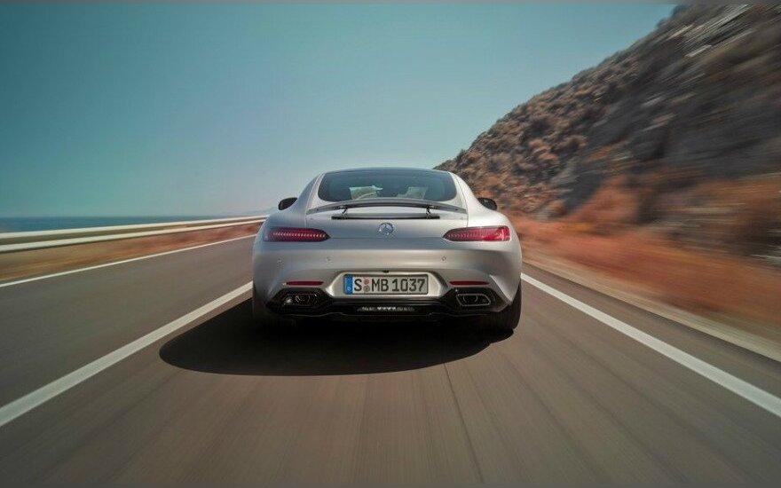 """""""Mercedes-AMG"""" ruošia dar vieną įspūdingą automobilį"""
