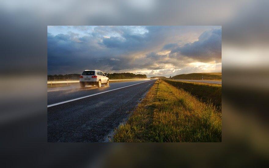 """""""Juodųjų dėmių"""" šalies keliuose sumažėjo dvigubai"""