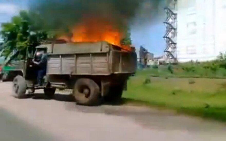Degantis sunkvežimis