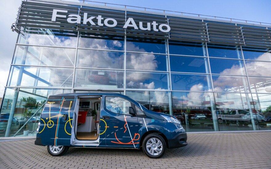 """""""Nissan"""" sukūrė biurą elektromobilyje: tokį jau galima apžiūrėti ir Lietuvoje"""