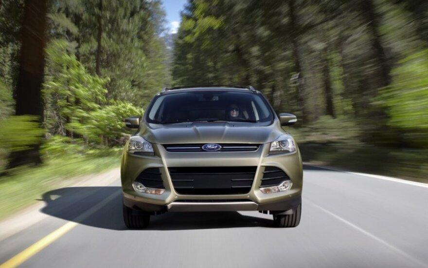 """""""Ford"""" atšaukia 850 tūkst. automobilių"""