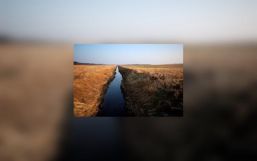 Kupiškio rajone automobiliui įlėkus į upę žuvo du žmonės