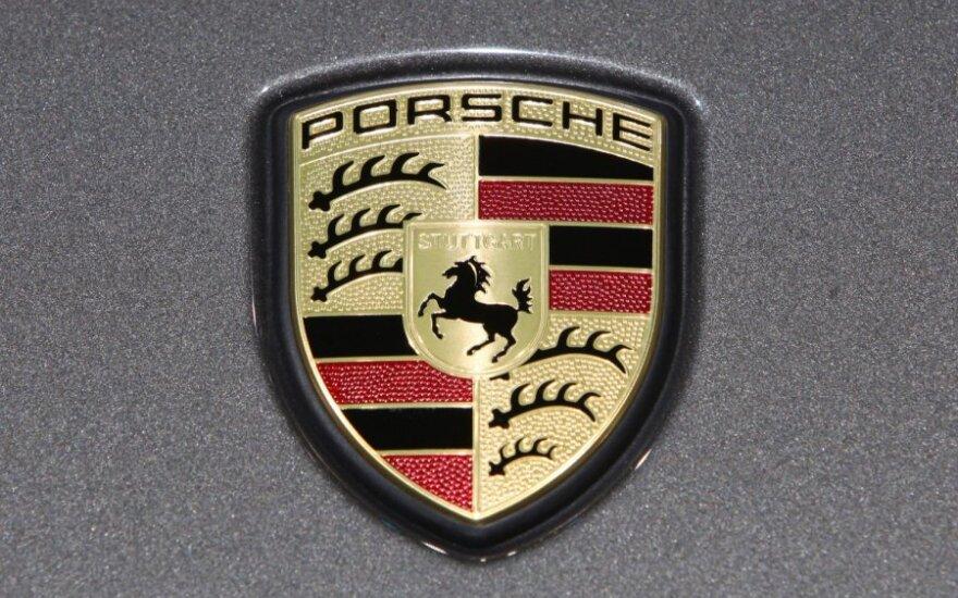 """Porsche AG"" planuoja 2011 m. parduoti per 100 tūkst. automobilių"