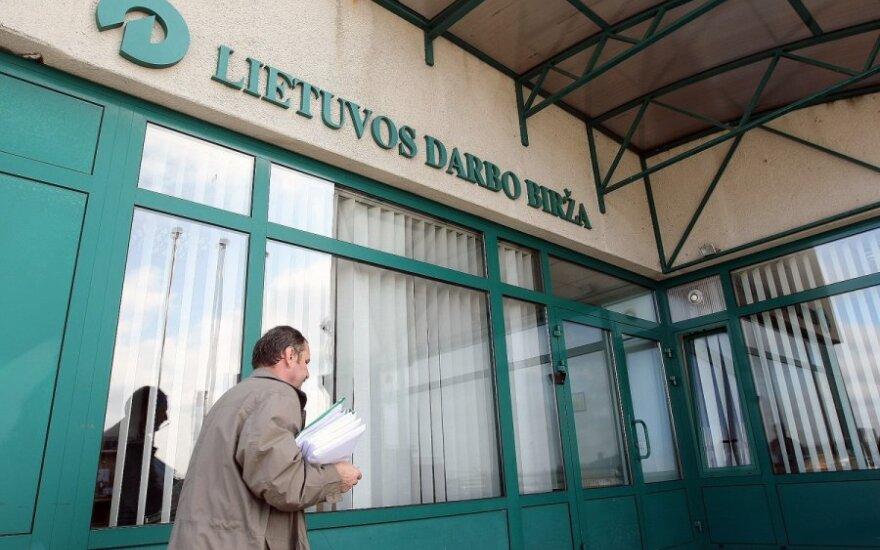 Oficialių bedarbių skaičius išaugo iki 235,8 tūkst.