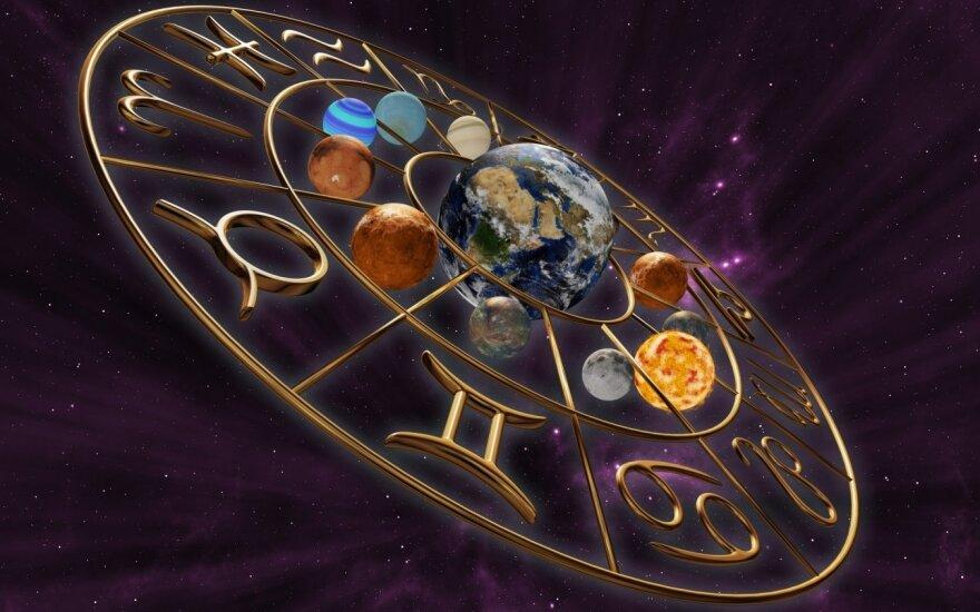 Astrologės Lolitos prognozė vasario 7 d.: stiprių patyrimų diena