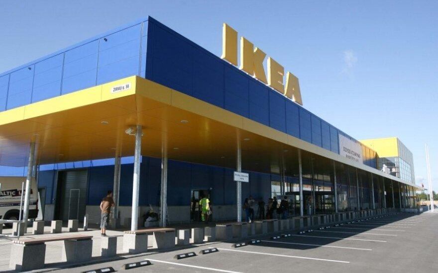 """""""Ikea"""" iš prekybos išima razinų ir migdolų mišinius"""