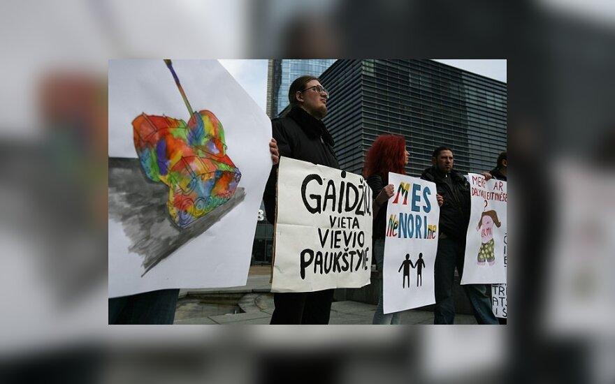 Protestuotojai prieš homoseksualų eitynes pasiryžę ir žūti kovoje