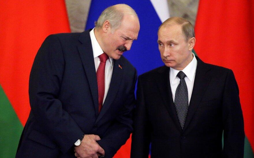 """""""Baltarusiškų"""" krevečių eros pabaiga: Rusija kaimynei metė rimtus kaltinimus dėl sankcijų pažeidimų"""