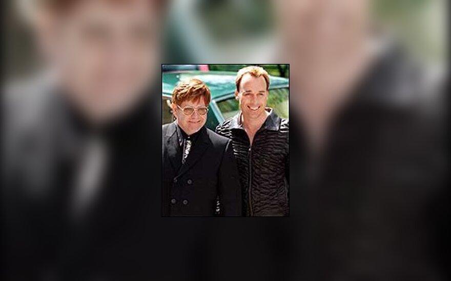 Elton John ir David Firnish