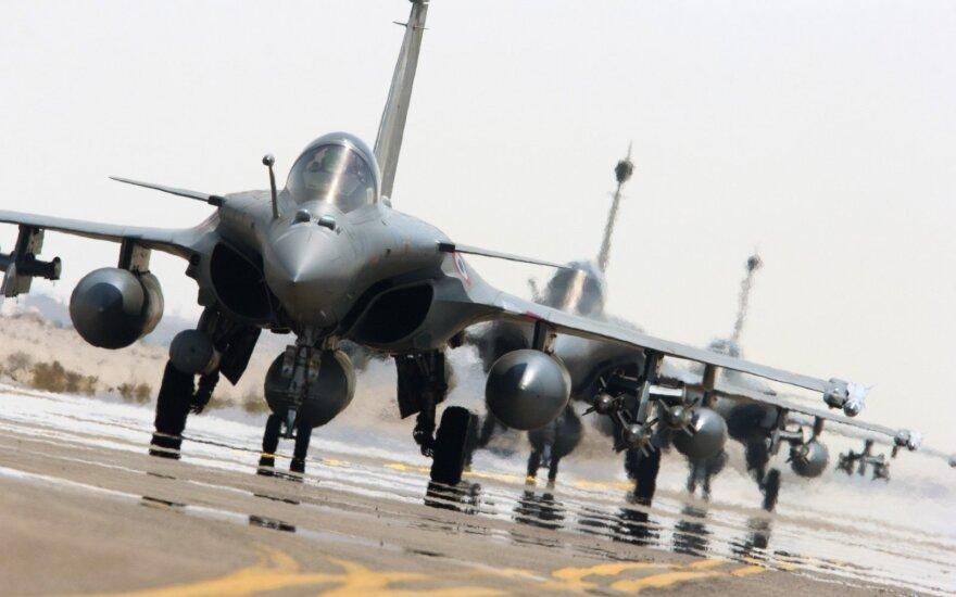 Prancūzų naikintuvai pradėjo saugoti Baltijos šalių oro erdvę
