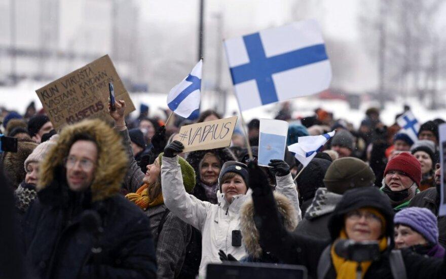 Suomiai protestuoja prieš karantino ribojimus
