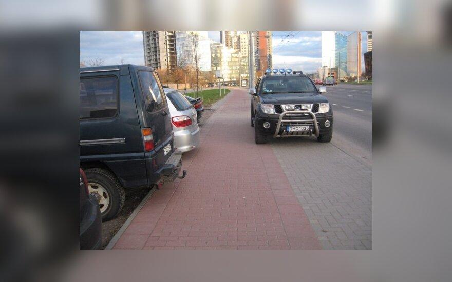 Vilniuje, Konstitucijos pr. 2010-10-27, 17.10 val.