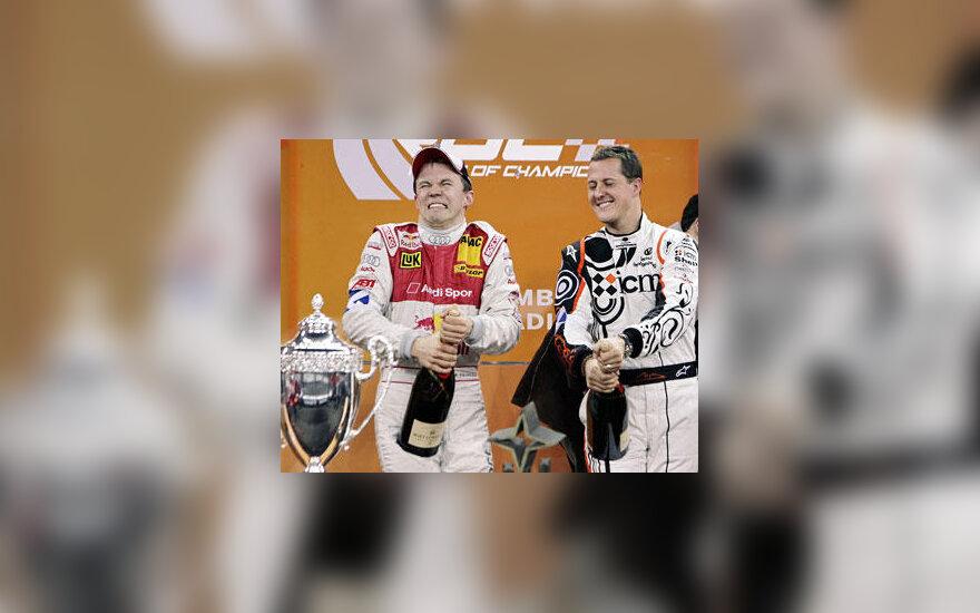 Matthiasas Ekstromas ir Michaelis Schumacheris iššauna šampaną