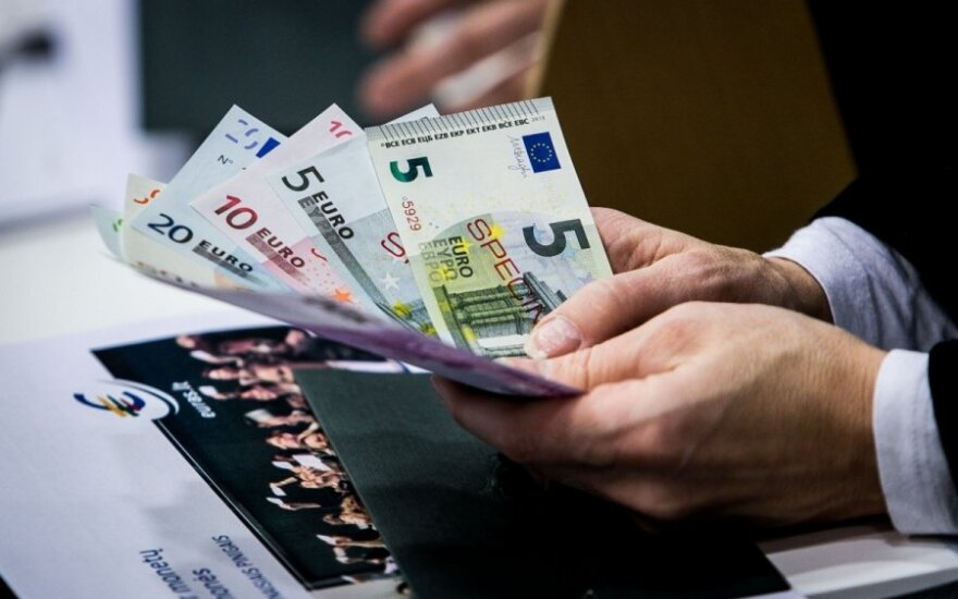 Lithuania to organize seminars on euro adoption