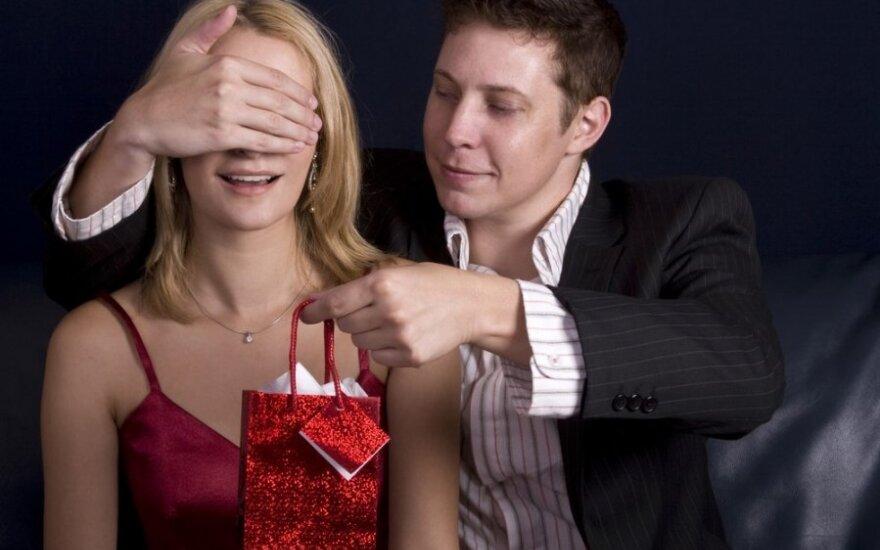 Slapti moteriški troškimai, kuriuos vyrai turėtų išpildyti