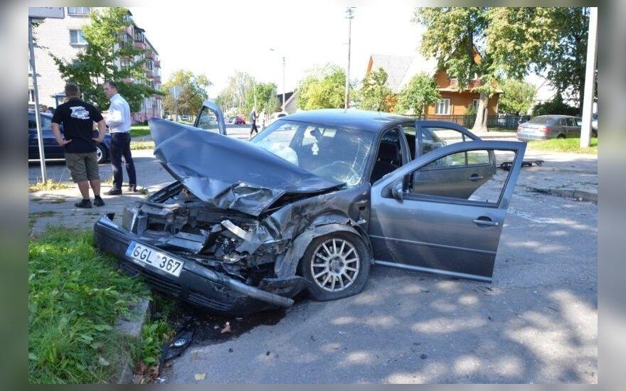 Seimo narys Panevėžyje sukėlė avariją, į ligoninę išvežti 3 žmonės