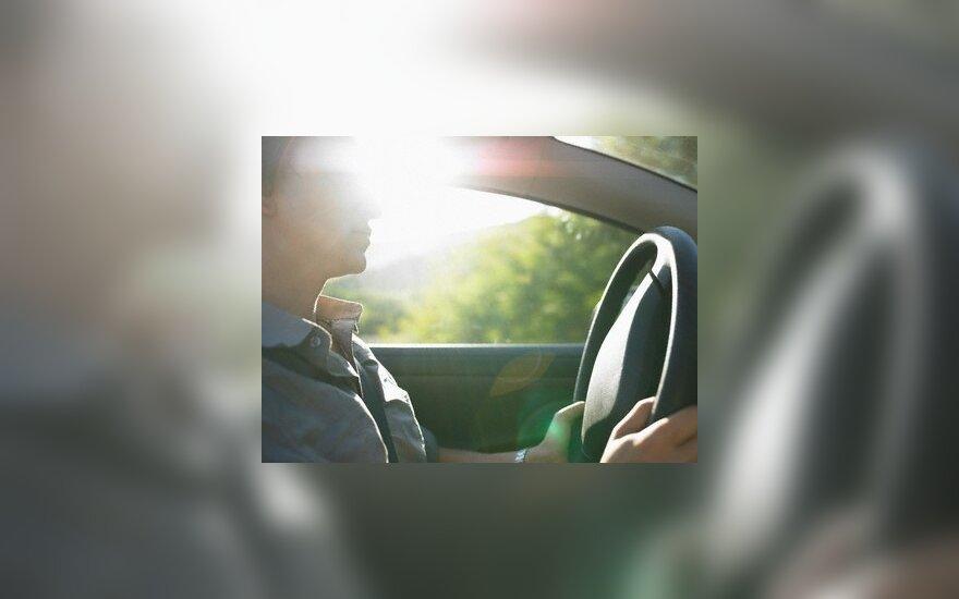 Seimas spręs, ar įvesti mokymus KET pažeidusiems pradedantiems vairuotojams