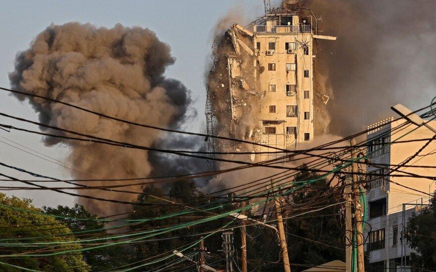 Izraelio smūgių Gazos Ruože aukų skaičius viršijo 100