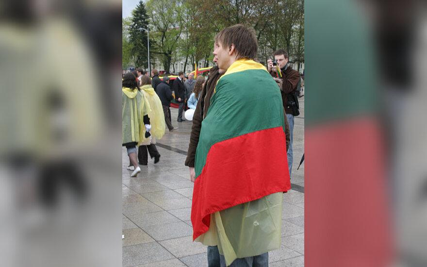 Mitingo, skirto Estijai palaikyti, dalyvis