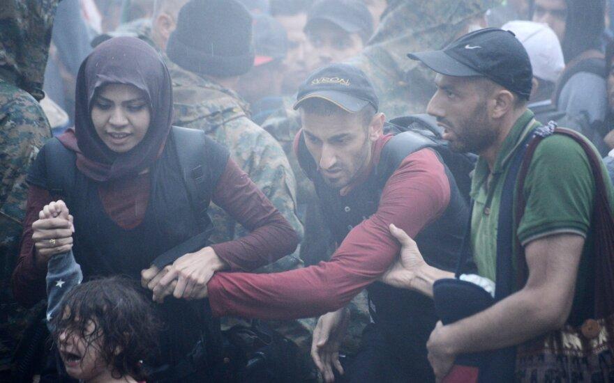 """<span style=""""color: #ff0000;"""">Migrantų krizė</span>. SOS iš Vokietijos: esame lėktuve, kuriame baigiasi kuras"""