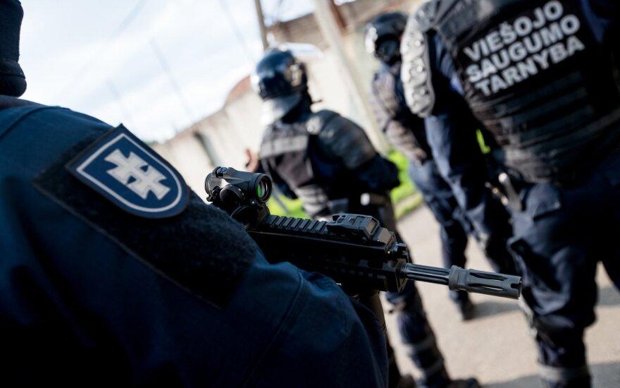 Pravieniškėse – vėl kalinių maištas: neramumai tęsėsi visą naktį, yra sužalotų