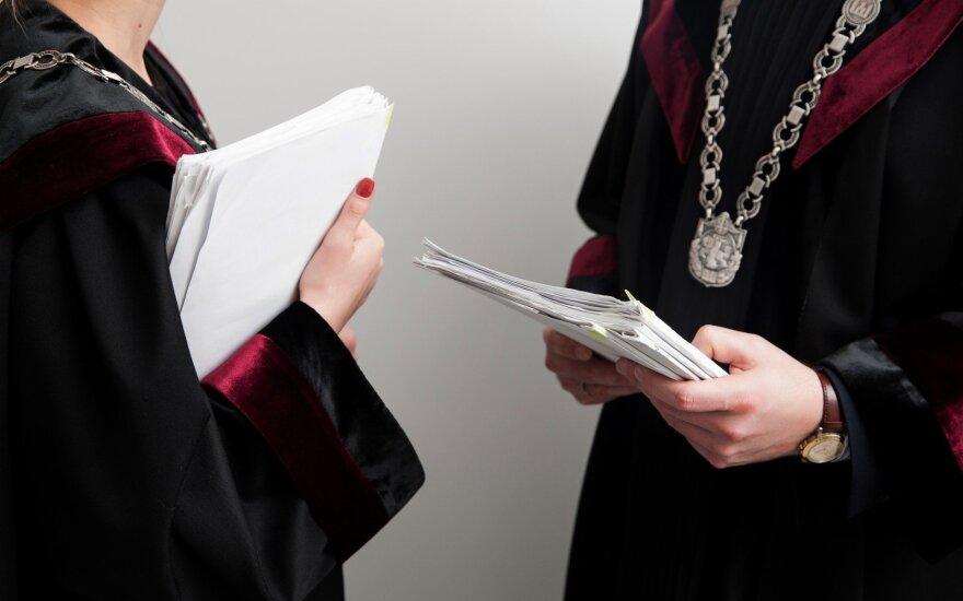 Teismui perduota kyšininkavimu kaltinamos buvusio prokurorės byla