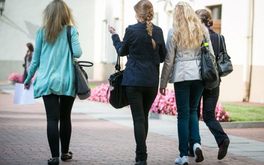 Sieks, kad valstybės lėšomis studijavę studentai atidirbtų Lietuvai