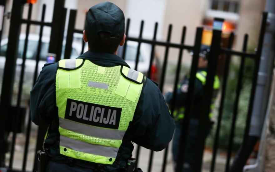 Policininkai, ugniagesiai ir pasieniečiai rengiasi protesto akcijoms