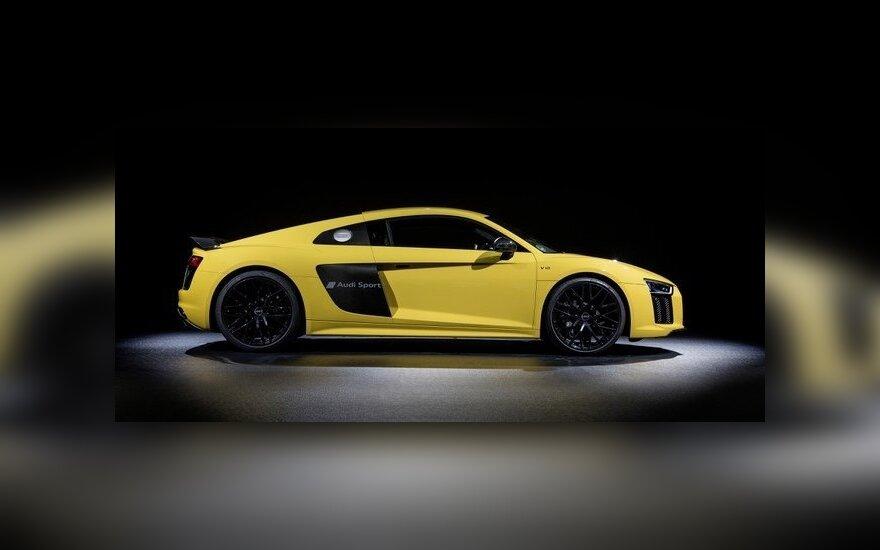 """Iš pradžių """"Audi"""" leis paeksperimentuoti su R8 modeliais"""